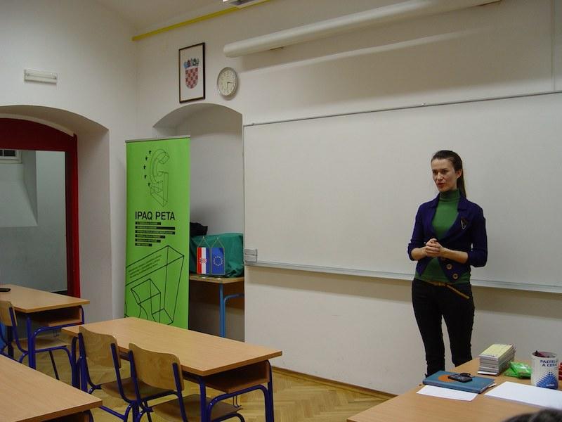 Zupanijsko strucno vijece likovne umjetnosti u V. gimnaziji7